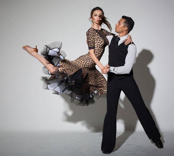 Valerie Prasetyo ist mit Ihrem Ehemann Jeremy Prasetyo Weltmeisterin im Formations-Tanzen und amtierende Deutsche Meisterin im Standard-Tanzen